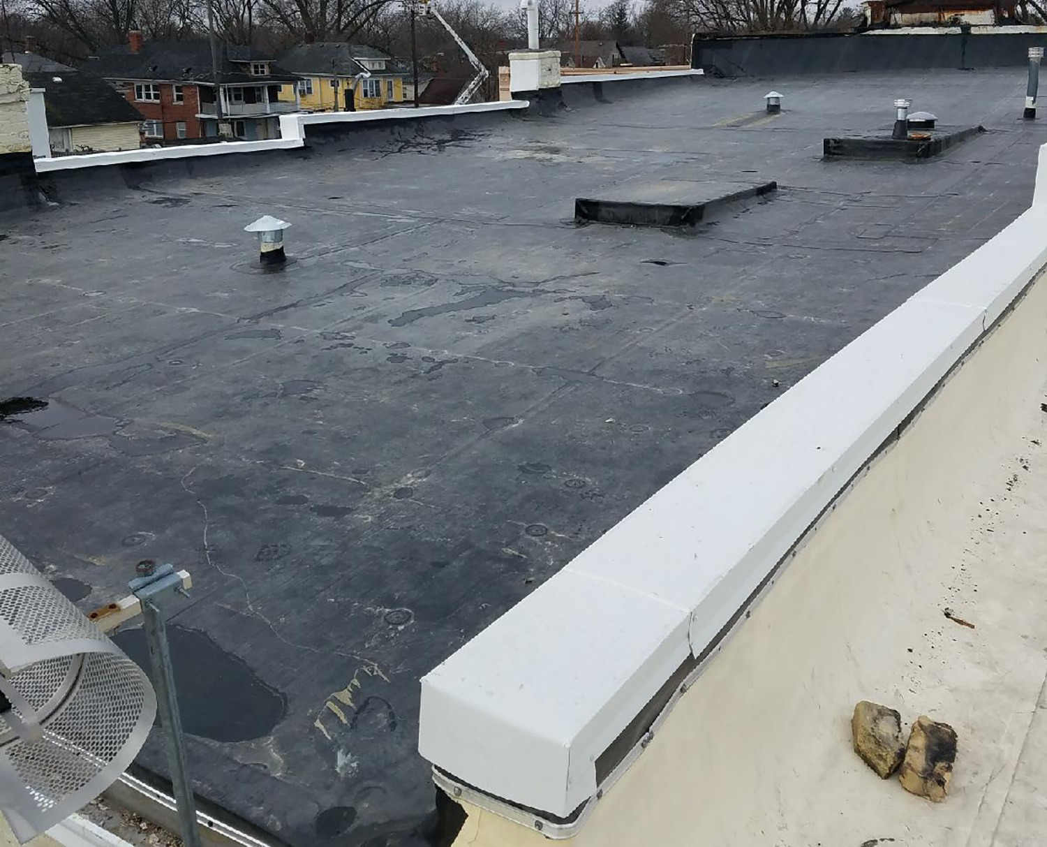 Is It Time To Replace Your Flat Roof Vdb Contractors